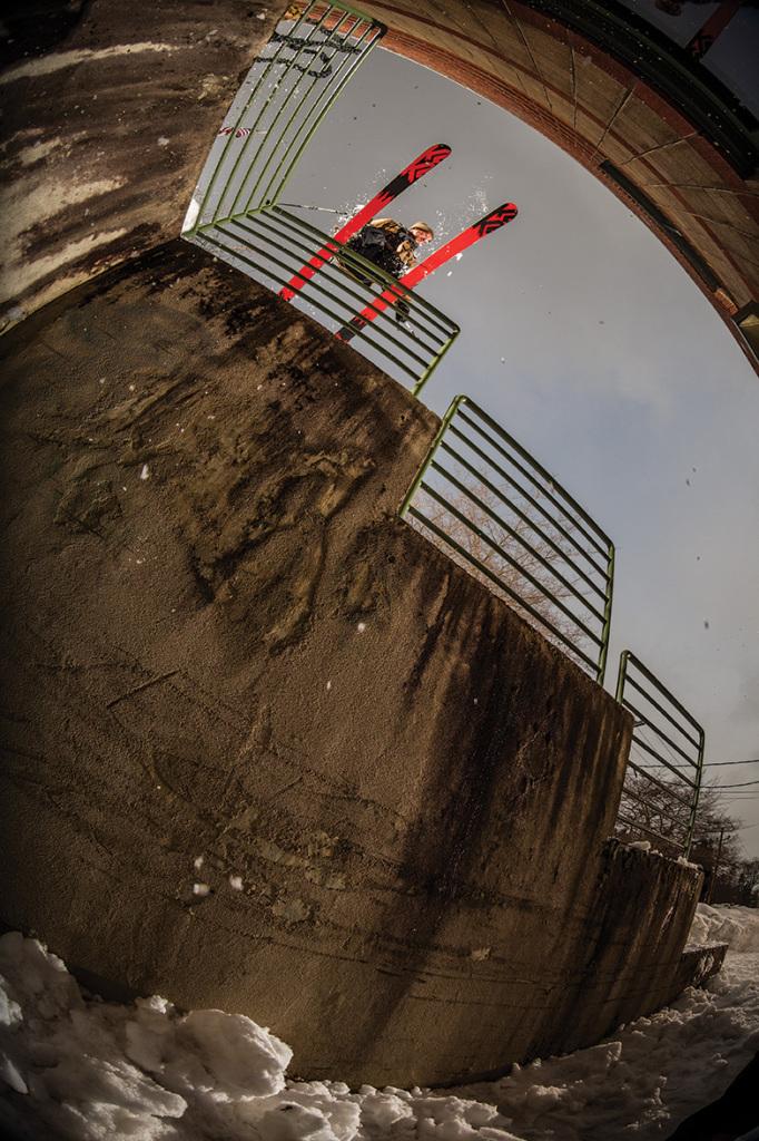 Clayton Vila sliding a 3-step drop kink rail in Farmington, Main