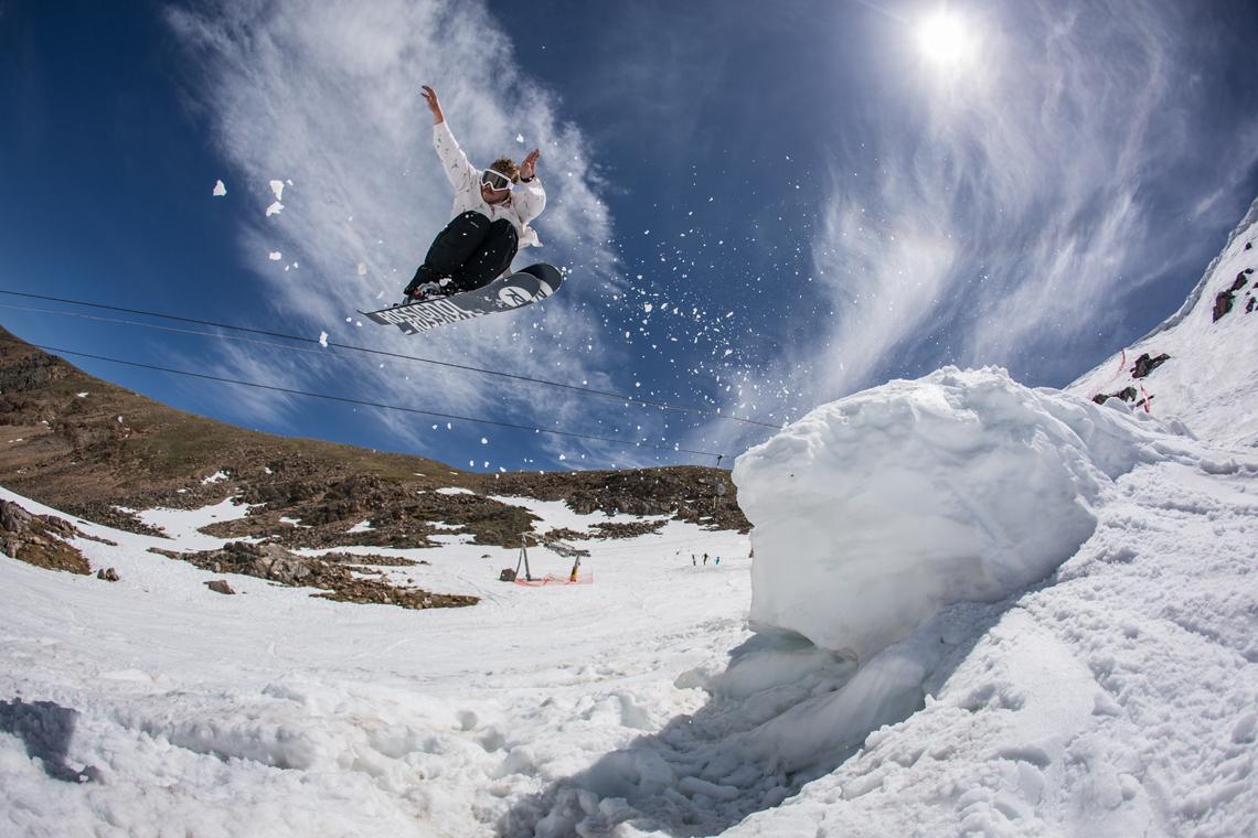 686 athlete Parker White gets sendy at Beartooth Basin. Photo by Erik Hoffman.