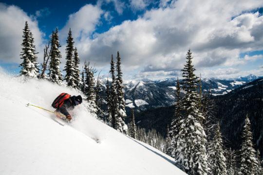 d78f39eebf The 14 best ski midlayers and baselayers of 2018-2019