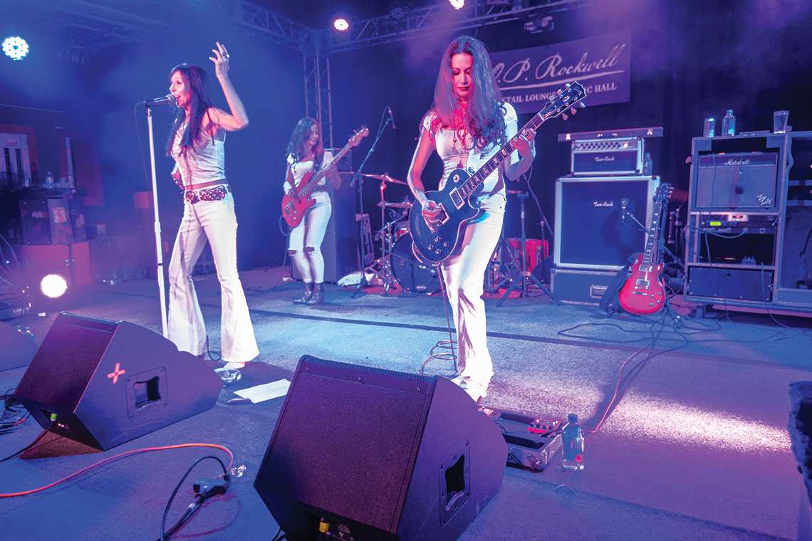 All Female Led Zeppelin Cover Band Zepparella Rocks The Stage During Freeskier S 20th Anniversary Tour Stop At O P Rockwell Photo Donny Neill